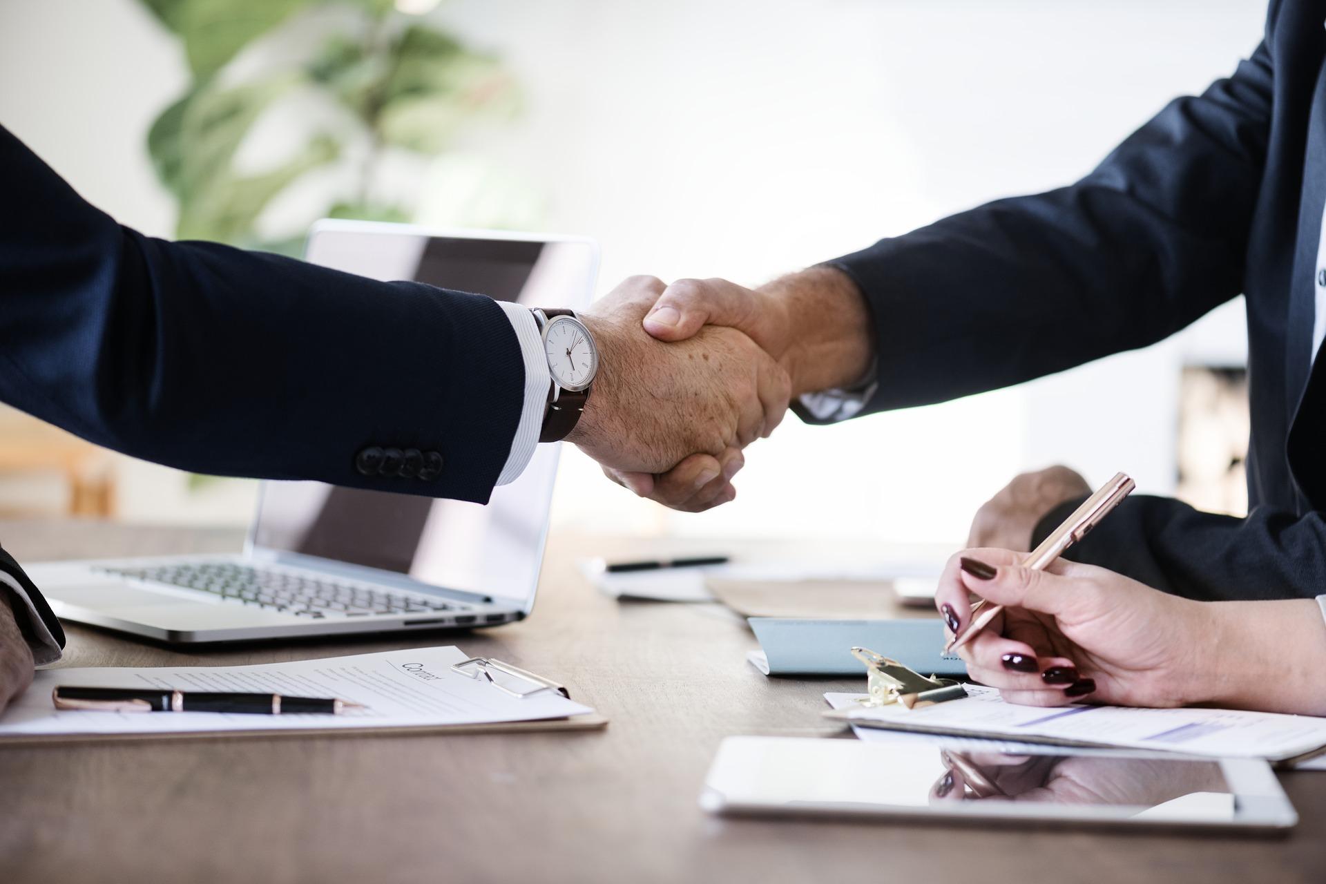 Der letzte Eindruck bleibt: 4 Strategien für einen erfolgreichen Verhandlungsabschluss